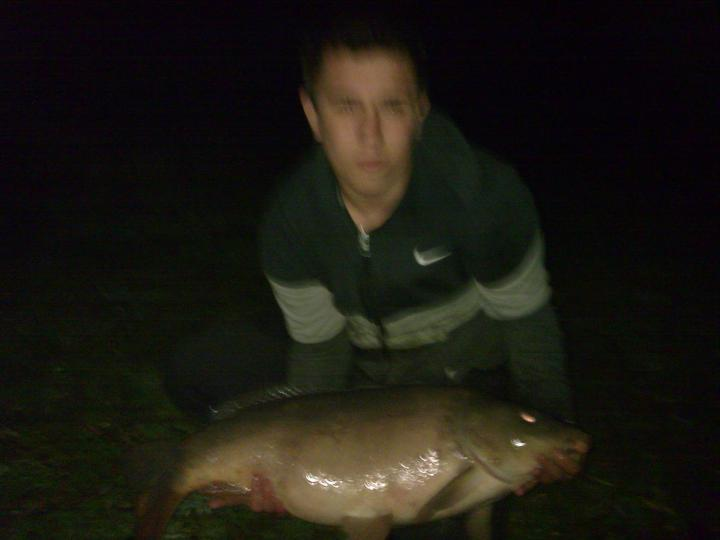 my new 27 pound mirror my pb !